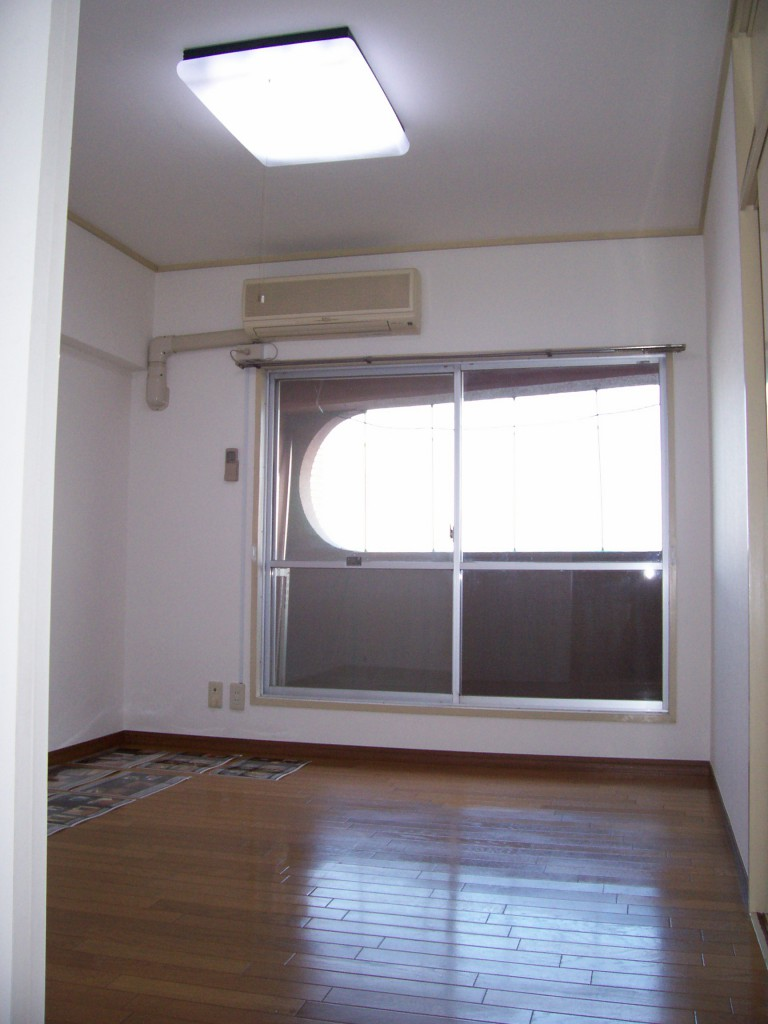 バルコニー側のお部屋です♪